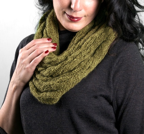 scarves_GoldfinchCowl1
