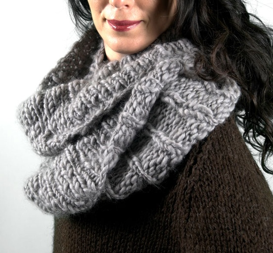 scarves_MourningDoveCowl1